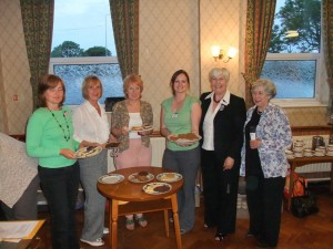 Competition winner Annie Roberts with Haslington Committee members, County Chairman Marjorie Hall and Federation Treasurer Diane Coulton